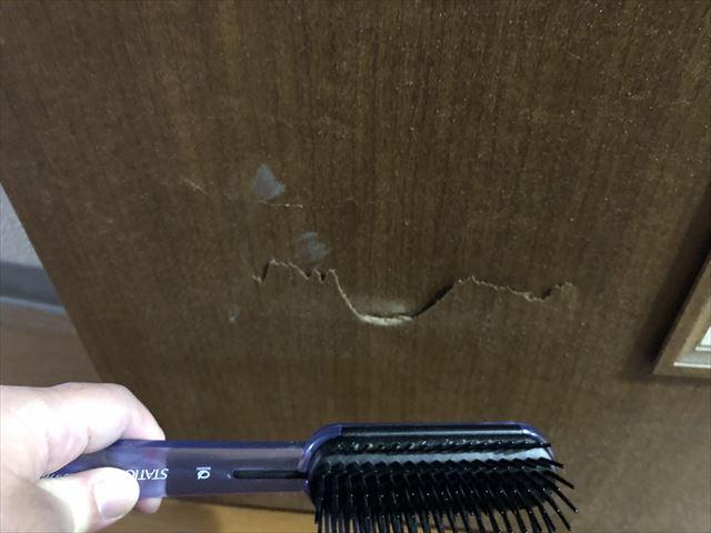 引越し ドアの穴 補修